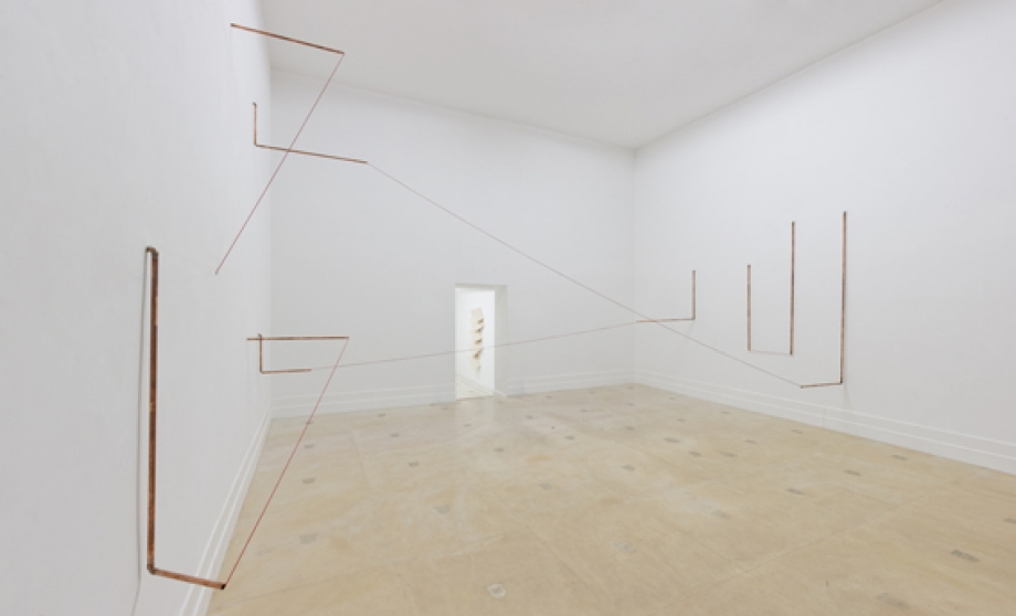 FUGA, 2014 copper pipes, elastic rope, Installation Diehl CUBE